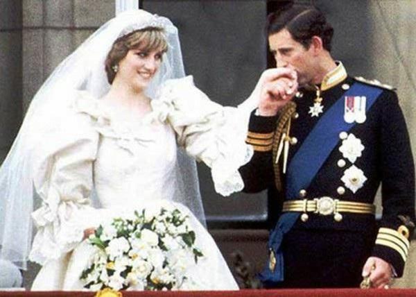 Choáng ngợp với sự xa hoa của những đám cưới hoàng gia tốn kém nhất lịch sử - 1