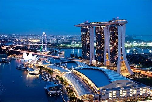 Từ Marina Bay Sands tại Singapore…