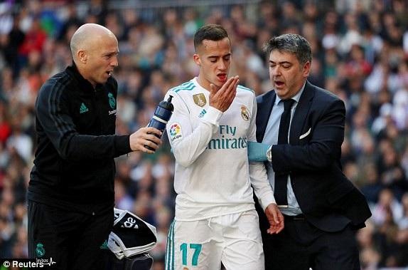Lucas Vazquez nén đau thi đấu, khi Real Madrid đã hết quyền thay người