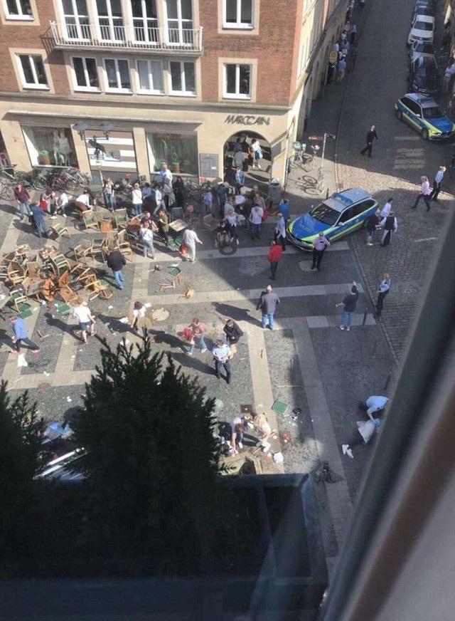 Hiện trường vụ đâm xe ngày 7/4 (Ảnh: Dailymail)