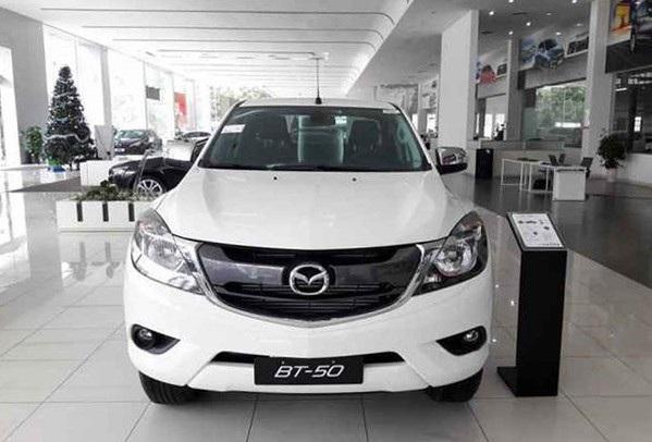 Phân khúc bán tải tại Việt Nam đang bị ảnh hưởng nặng nề khi năm 2018 này chưa có một thương hiệu nào thông quan được xe do chưa đáp ứng các điều kiện mới.