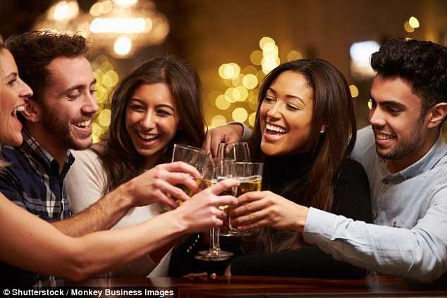 Từ người quen đến người bạn có thể cùng nhau đi uống rượu giải sầu, chúng ta cần tốn khoảng 50 giờ đồng hồ, theo nghiên cứu mới đây.