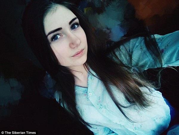 """Veronika Volkova, 16 tuổi, tự sát bằng cách nhảy xuống từ một tòa nhà cao tầng sau khi tham gia """"thử thách cá voi xanh"""""""
