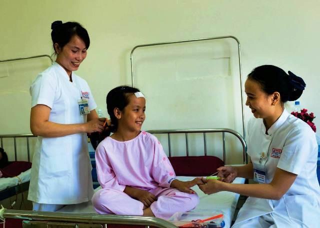 Khoa phẫu thuật - Trung tâm Ung bướu với chủ đề Bệnh nhân trước mổ đoạt giải Nhất ảnh dự thi