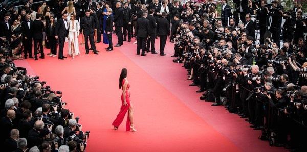 Irina Shayk luônlà khách VIP của mỗi kỳ LHP Cannes