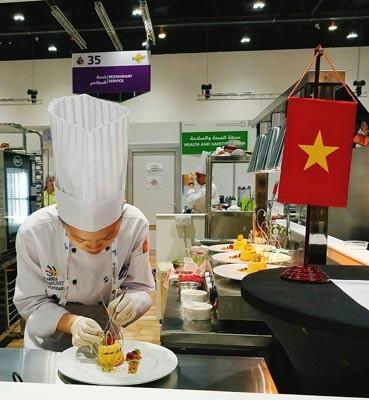 Vũ Hoàng Trinh đại diện Việt Nam dự kỳ thi tay nghề thế giới lần thứ 44 tại Các Tiểu Vương quốc Ả Rập Thống nhất. (Ảnh do nhân vật cung cấp)