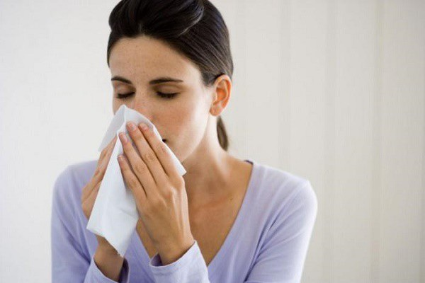 Ngạt mũi một bên, đau nửa đầu, khàn tiếng… là những dấu hiệu phổ biến của ung thư vòm họng