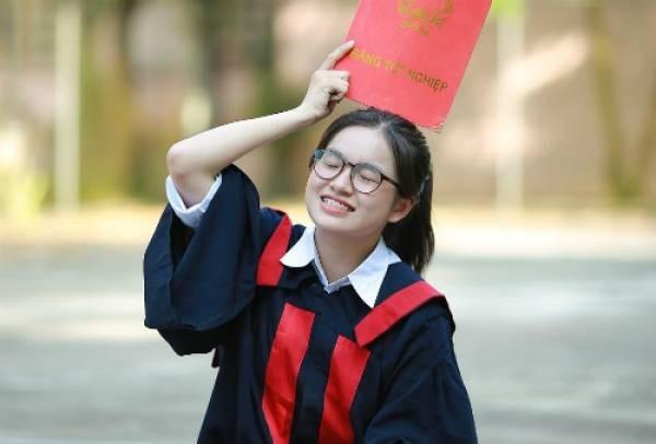 Nữ sinh chuyên Toán Trần Ngọc Minh (trường THPT Chuyên tỉnh Lào Cai) vừa giành học bổng 4 trường đại học của Mỹ và 1 trường đại học của Canada.
