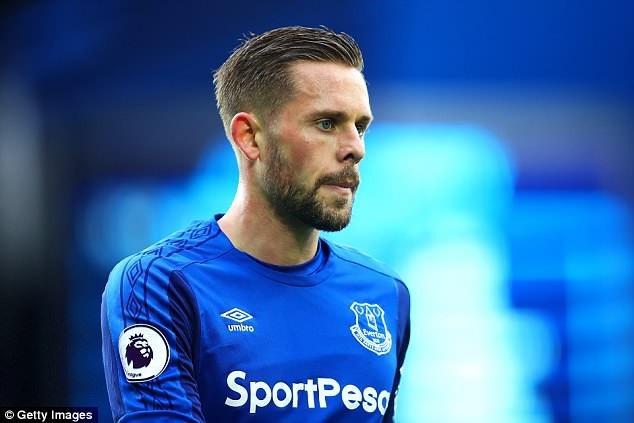 Gylfi Sigurdsson vẫn được triệu tập vào đội tuyển Iceland dù đang chấn thương