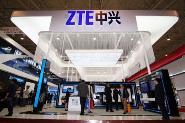 Mỹ cấm bán linh kiện cho công ty điện thoại ZTE của Trung Quốc trong thời hạn 7 năm.
