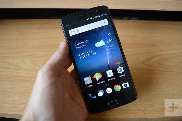 ZTE Blade V8 Pro với giao diện hệ điều hành Android.