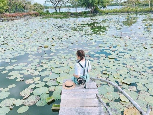Công viên Suối Mơ là một trong những điểm du lịch thu hút nhiều bạn trẻ tìm đến. Ảnh: Trân Trần.