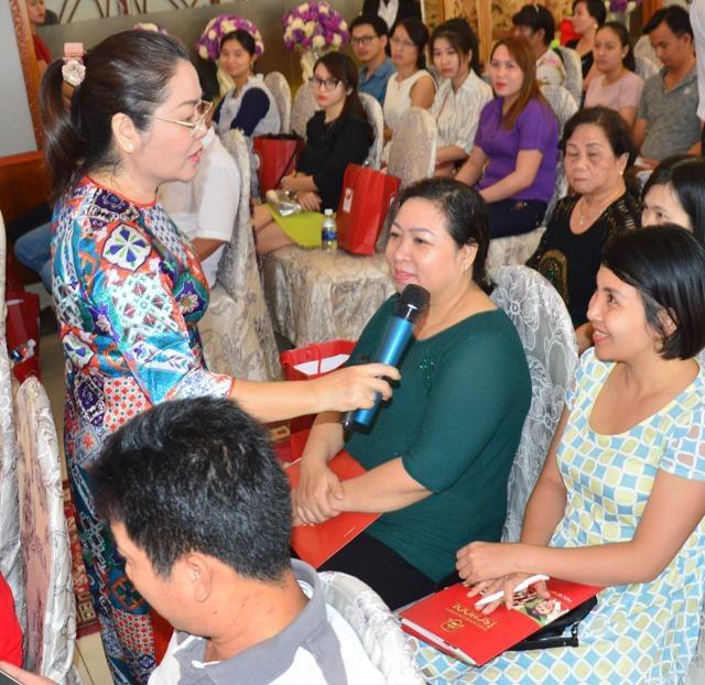 Tiến sĩ Nguyễn Thị Bích Hồng cho rằng, ở từng độ tuổi của trẻ, cha mẹ cần tìm hiểu để giáo dục, phát triển khả năng của con.