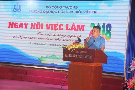 Trường Đại học Công nghiệp Việt Trì tổ chức Ngày hội tư vấn hướng nghiệp nghề - 3