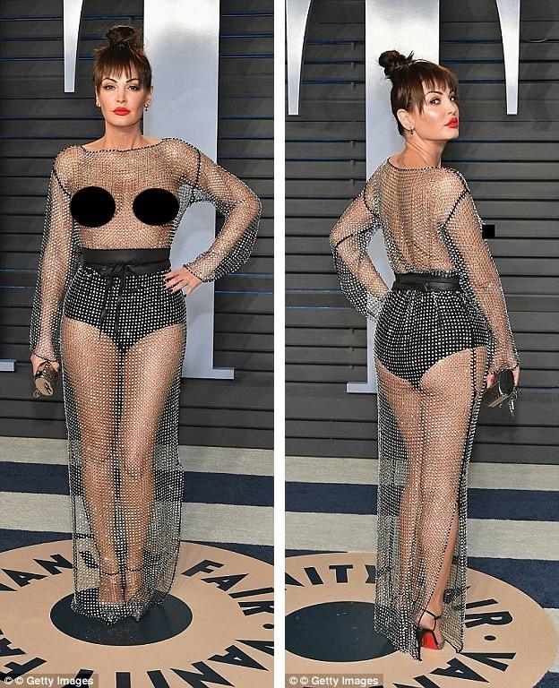 Sự xuất hiện của Bleona đã khiến cô vấp phải rất nhiều chỉ trích cho rằng cô đã dùng chiêu trò quá lố để gây sự chú ý, sau đó, hình ảnh của cô đã xuất hiện trên khắp các trang tin giải trí quốc tế như một sự việc gây sốc bên lề lễ trao giải Oscar.