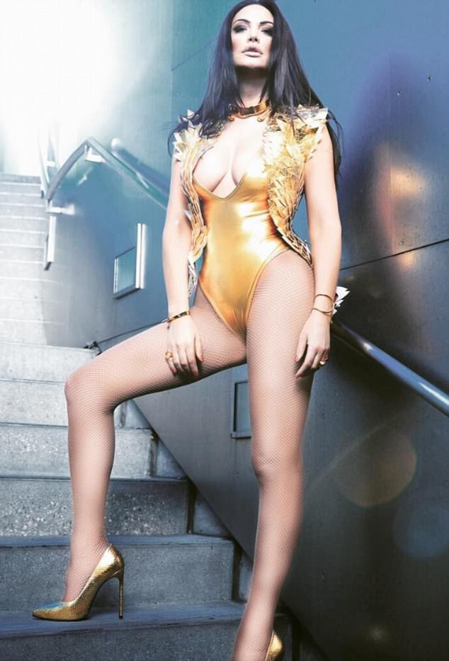 Bleona Qereti (38 tuổi)