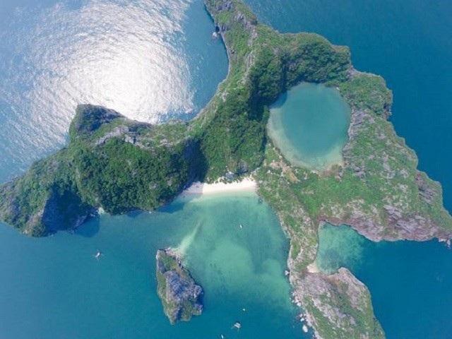 Đảo Mắt Rồng nhìn từ trên cao. Ảnh Dragon Eye Island