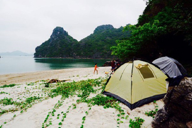 Cắm trại trên đảo sẽ là trải nghiệm khó quên. Ảnh: Phạm Trung Tuyến