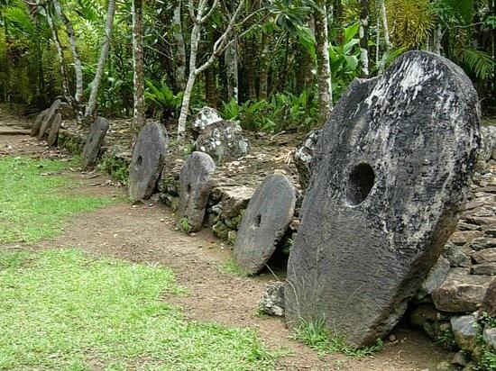Hòn đảo kỳ lạ sử dụng loại tiền xu khổng lồ nặng tới... 4 tấn - 4