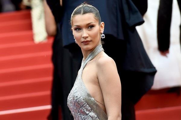 Bella Hadid lộng lẫy trên thảm đỏ - Ảnh 9.