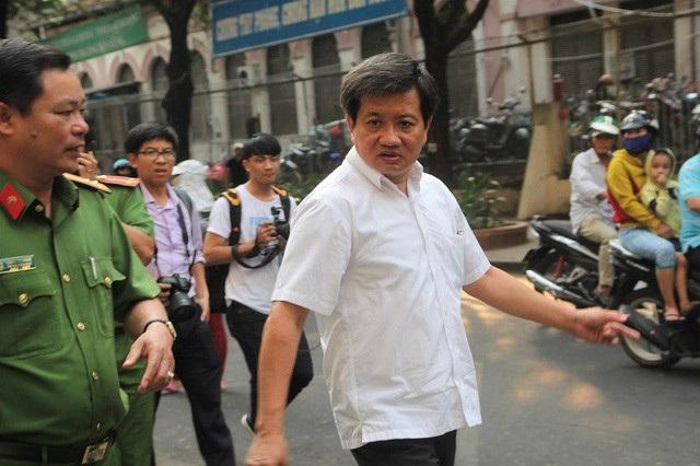 Ông Đoàn Ngọc Hải đi kiểm tra công tác phòng cháy chữa cháy vào cuối tháng 3/2018