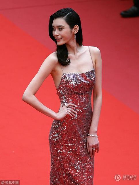 Siêu mẫu Trung Quốc xuất hiện trong khá nhiều sự kiện tại LHP Cannes 2018.