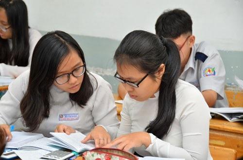 Học sinh Trường THPT Bùi Thị Xuân, TP HCM ôn thi tốt nghiệp. (Ảnh: Tấn Thạnh)