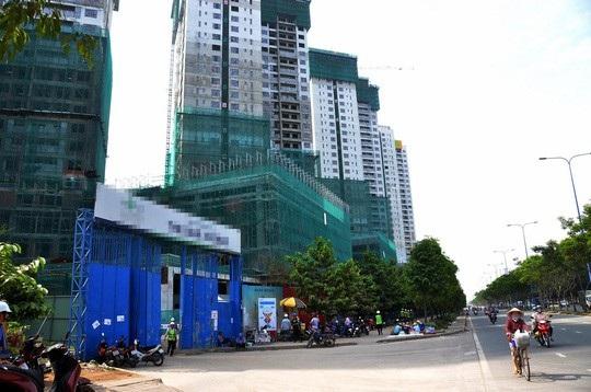 Dư nợ cho vay xây dựng khu đô thị, dự án phát triển nhà ở tính đến hết quý IV/2017 là 102.413 tỷ đồng.
