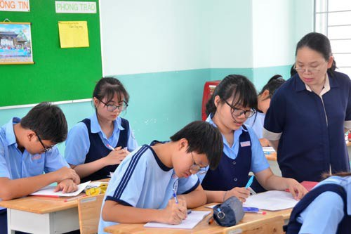 Học sinh lớp 9 Trường THCS Ngô Tất Tố (quận 10, TP HCM) trong một buổi ôn thi. (Ảnh: Tấn Thạnh)