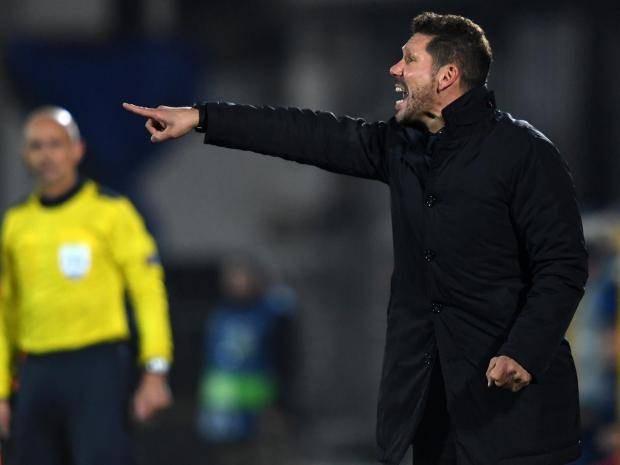 Dù HLV Diego Simeone bị cấm chỉ đạo nhưng Atletico Madrid vẫn hừng hực lửa chiến