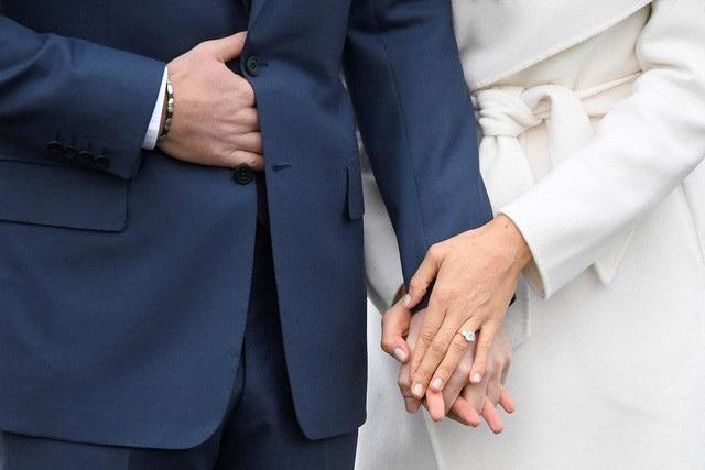 Sau lễ cưới cổ tích vào ngày 19/5 tới đây, Hoàng tử Harry (33 tuổi) và bạn gái thường dân Meghan (36 tuổi) sẽ chính thức về chung một nhà.