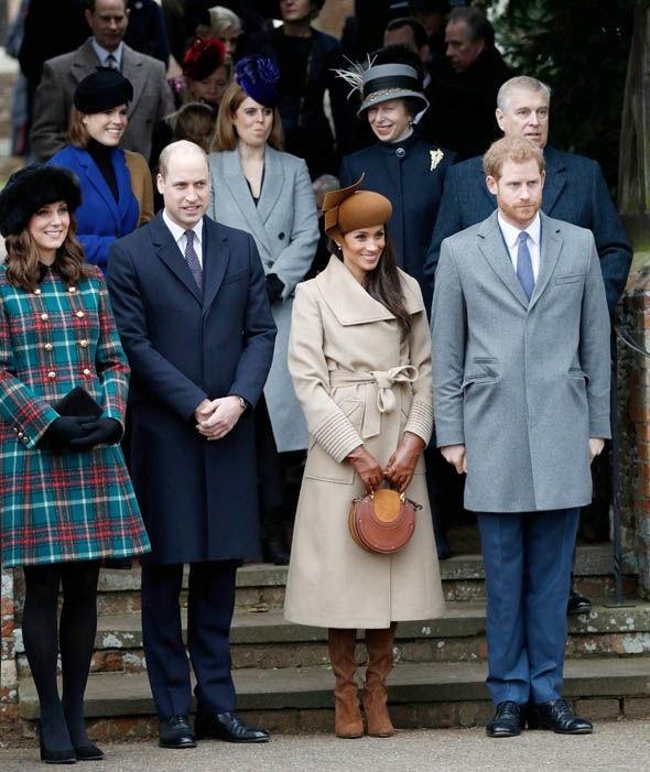 Họ cũng tham gia vào các sự kiện của Hoàng gia.