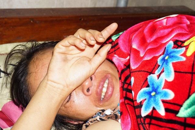 Mang trong mình căn bệnh u vú, chị Thủy lại được chẩn đoán mắc thêm bệnh ung thư thanh quản