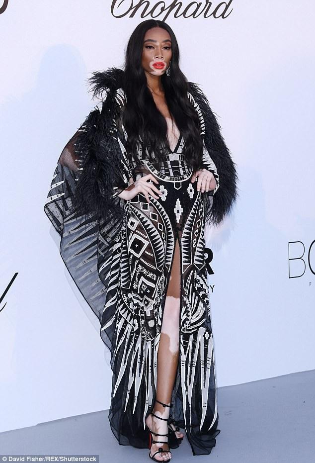 Winnie Harlow quyến rũ dự tiệc amfAR Gala Cannes diễn ra ngày 17/5 vừa qua