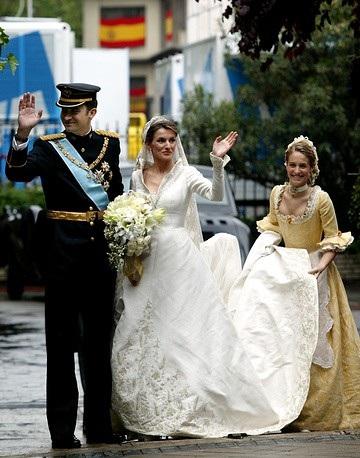 Lễ cưới của Thái tử Tây Ban Nha Felipe và Công nương Letizia được tổ chức tại Madrid vào ngày 22/5/2004. Công nương Letizia từng là một nhà báo trước khi kết hôn với Thái tử Felipe.