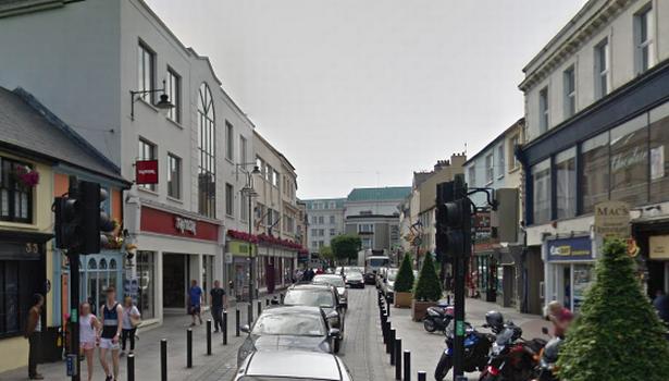 Một tuyến phố chính của thị trấn Killarney, hạt Kerry, Ireland, nơi nhóm ăn xin chuyên nghiệp này hoạt động. (Nguồn: IM)