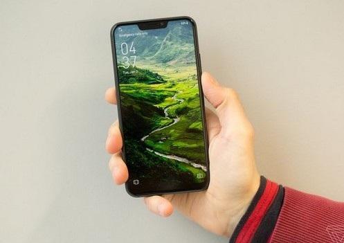"""Zenfone 5 sở hữu thiết kế không viền với màn hình """"tai thỏ"""""""
