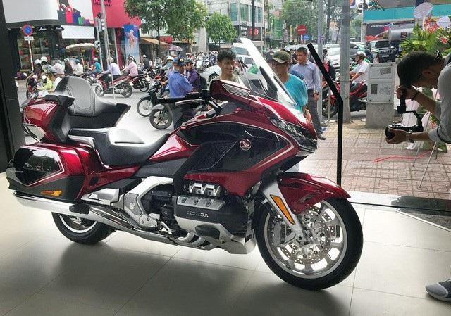 Chiếc Touring cỡ lỡn - Goldwing là mẫu xe đắt nhất trong các dòng môtô của Honda tại Việt Nam.