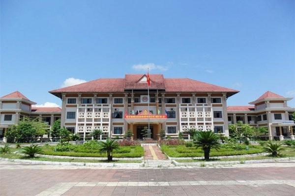 Một số cán bộ ở huyện Phú Ninh xin nghỉ việc để ra ngoài làm vì lương không đủ sống?