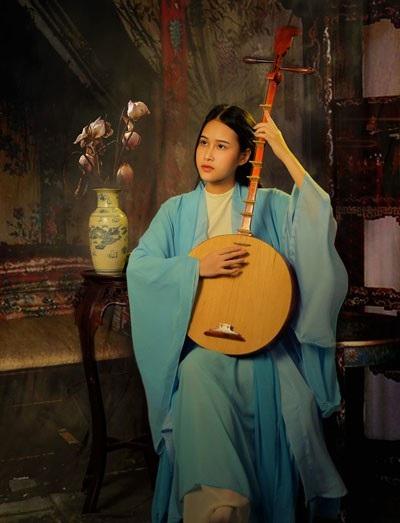 Kim Cúc trong vai Thúy Kiều.