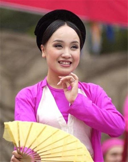 Nghệ sĩ Huyền chèo, bà xã NSƯT Tấn Minh bất ngờ trượt danh hiệu Nghệ sĩ nhân dân.