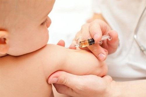 Bộ Y tế yêu cầu đảm bảo cung ứng vắc xin não mô cầu - 1