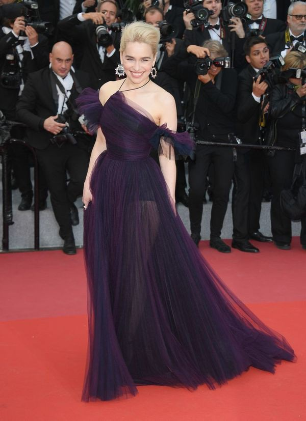 Emilia Clarke xuất hiện tại LHP Cannes (Pháp) vừa diễn ra
