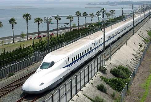Năm 2019 Bộ sẽ xin Quốc hội thông qua chủ trương đầu tư đường sắt cao tốc     .