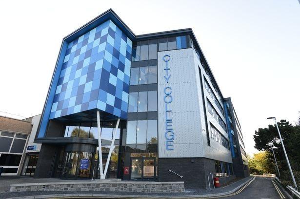 City College of Plymouth là một trong những trường công lập tại Anh đào tạo chương trình IFY. (ảnh: Devon Live)