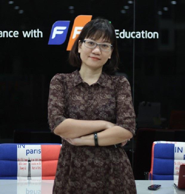 Bà Lê Thị Hồng Hạnh - Giám đốc Viện Đào tạo Quốc tế FPT sẽ có những chia sẻ về chương trình học, quy trình đào tạo, quy chế tuyển sinh, các chế độ việc làm cho sinh viên khi ra trường và cơ hội tuyển thẳng dành cho các thí sinh vừa tốt nghiệp THPT 2018 vào các ngành Lập Trình Viên (FPT Aptech), Thiết Kế Mỹ Thuật Đa Phương Tiện (FPT Arena Multimedia), Kỹ Sư An Ninh Mạng (FPT Jetking).
