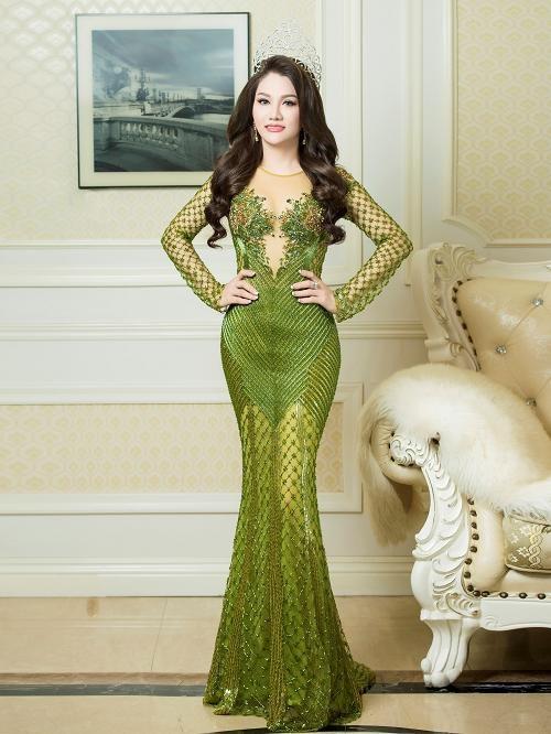 Sau khi đăng quang Ms Vietnam New World 2017, Hoa hậu Doanh nhân Xuân Hương trở thành cố vấn sắc đẹp cho một số cuộc thi, tích cực tham gia từ thiện và phát huy thế mạnh kinh doanh.
