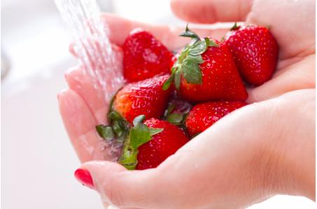 Luôn luôn rửa sạch trái cây và rau quả