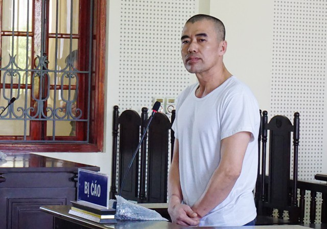 Bị cáo Trần Minh Hoài tại phiên xét xử sáng 21/5