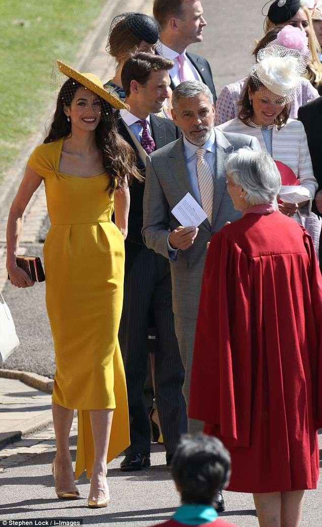 Xuất hiện tại sự kiện, tài tử George Clooney ăn vận lịch lãm.